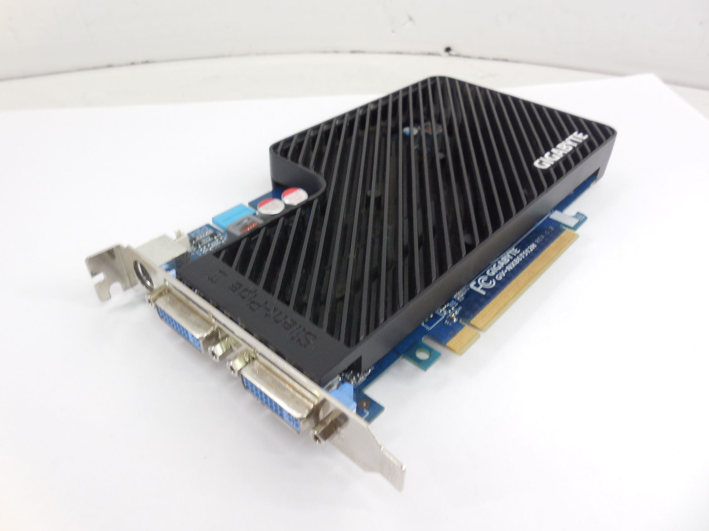 Видеокарта GIGABYTE GeForce 8600 GT 512Mb - Pic n 261638