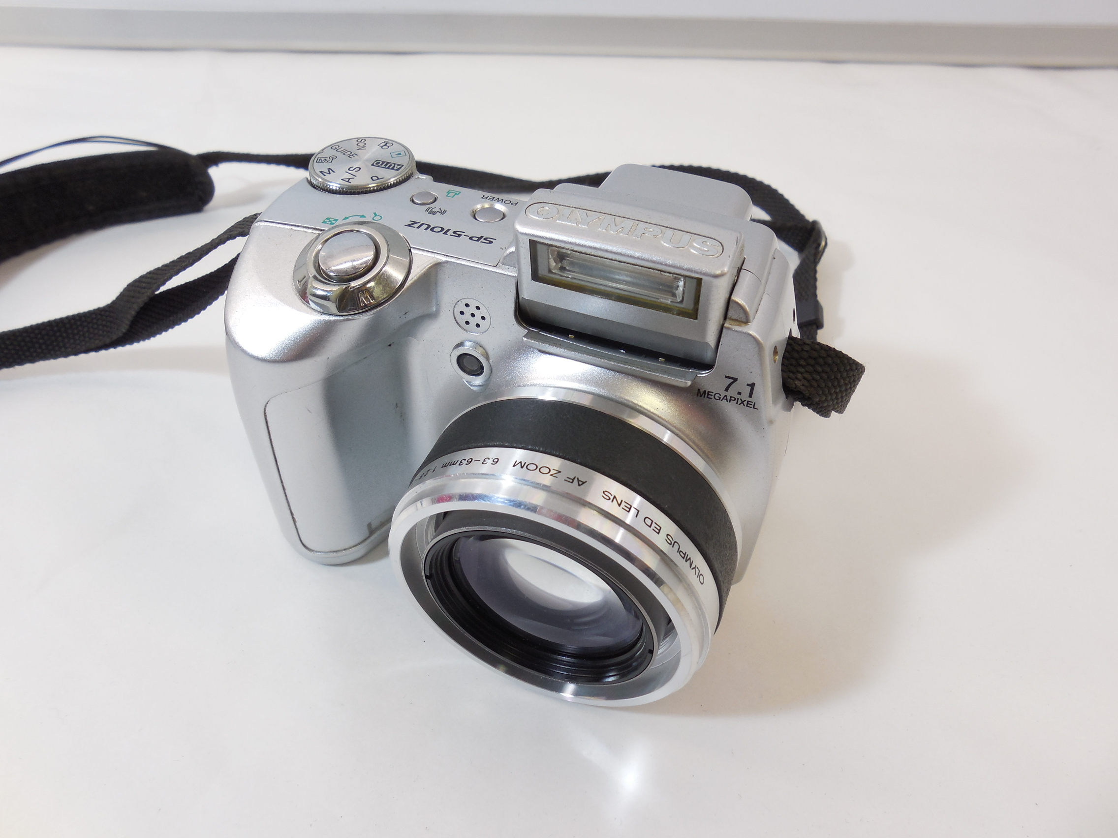 Berza polovnih digitalnih fotoaparata 6